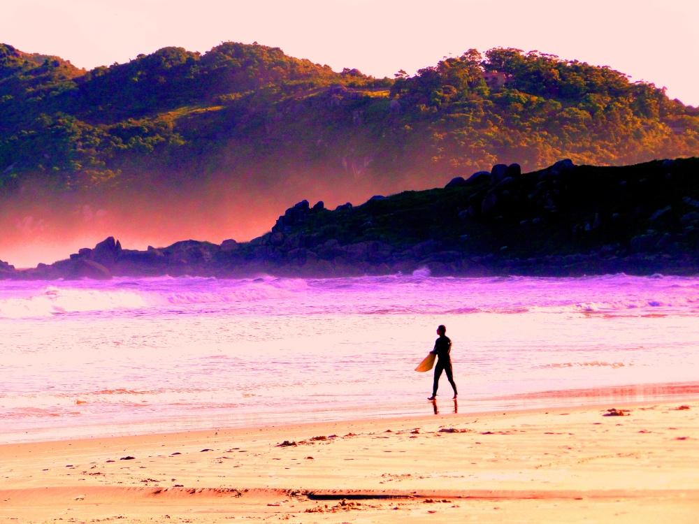 surfer contra viento y marea